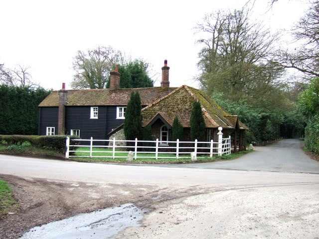 Tring Lodge, Rossway