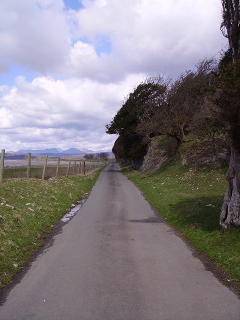 Road to Frith Hall