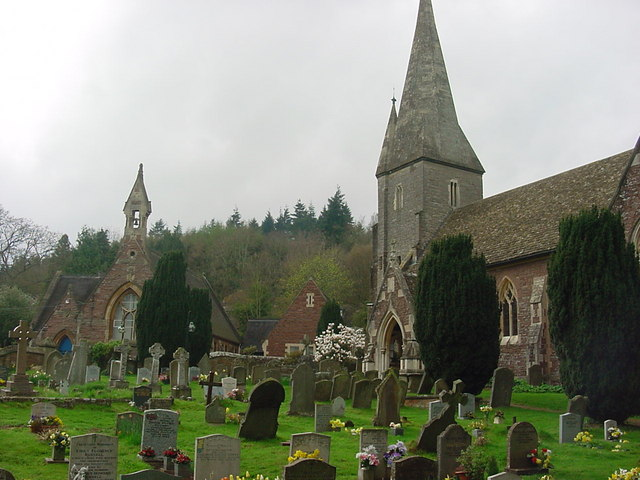 Huntley - Church of St John the Baptist and Primary School