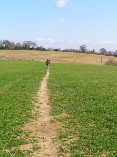 Footpath heading NW from Guestling
