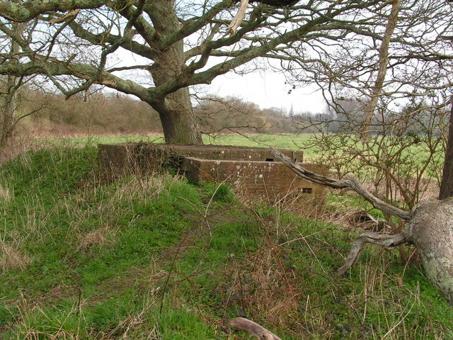 Pillbox by a bridge over the River Rother