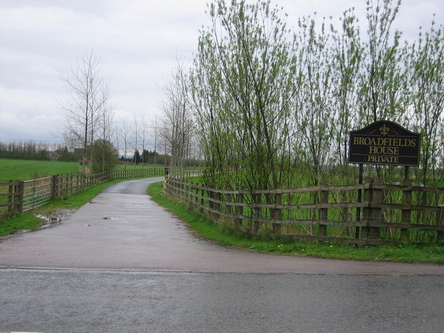 Driveway to Broadfields House