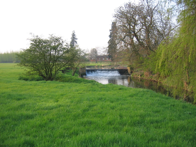 Weir at Offchurch Bury
