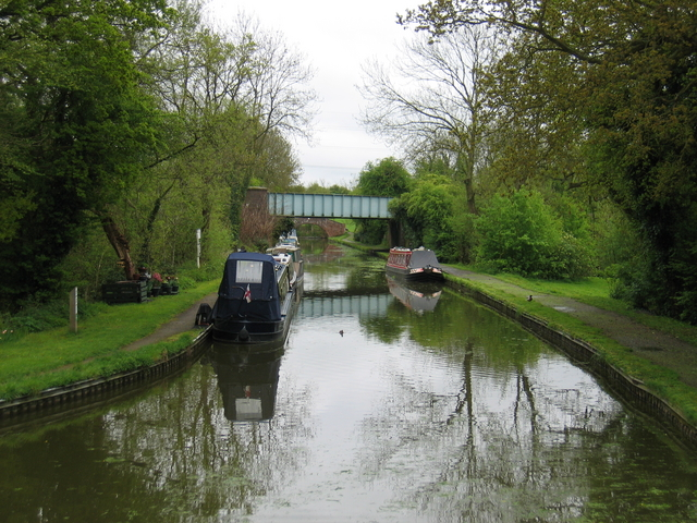 Link canal at Kingswood Junction