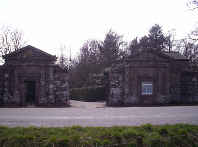 Gateway to Arbuthnott House