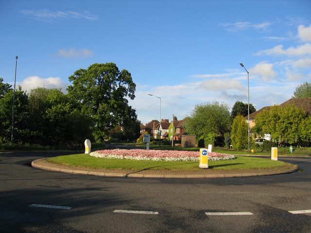 Leicester Lane roundabout in bloom in May