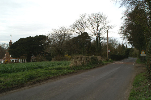 Housing on the edge of Eythorne village