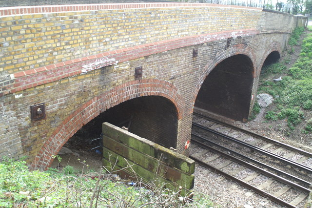 The B2040 bridge over the London-Faversham-Margate line