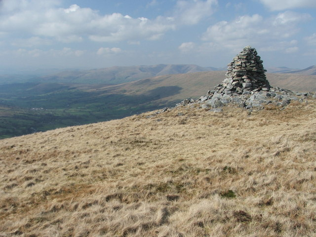 Cairn above Deepdale.