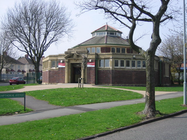 Low Hill Library