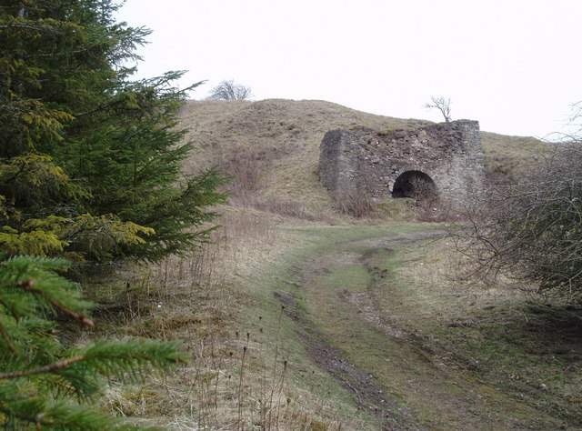 Old limekiln near Middleton