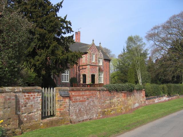 Storrage House