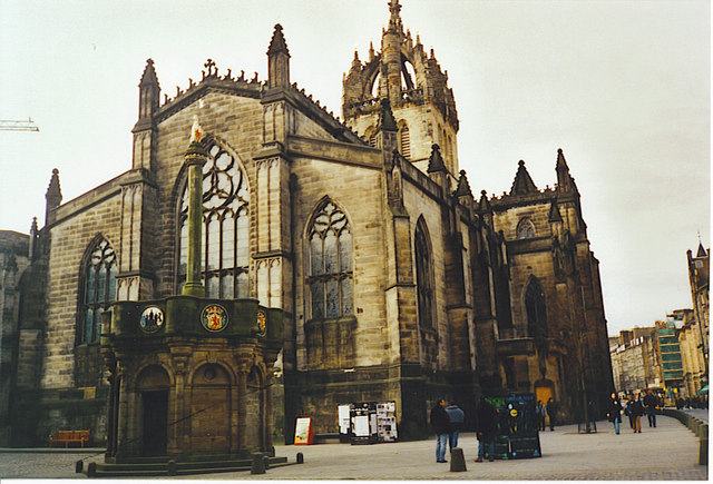 Mercat Cross and St Giles Cathedral.