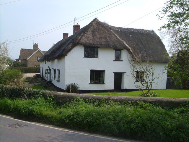 Thatched farmhouse at Sea