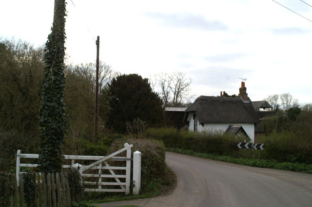 Thatched cottage near Frogham