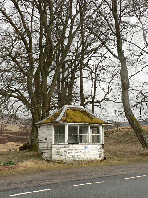 Disused garage kiosk at Amulree