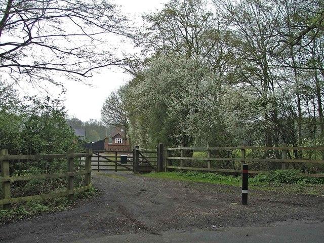 Entrance to Folly Foot Farm, Woodfield Lane