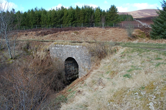 Old A9 bridge by Ousdale