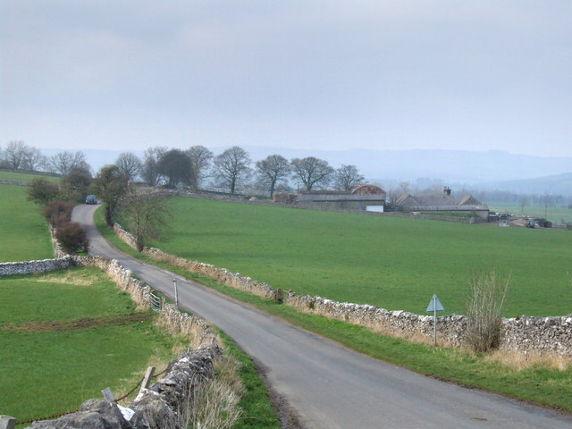 Looking towards Noton Barn Farm.