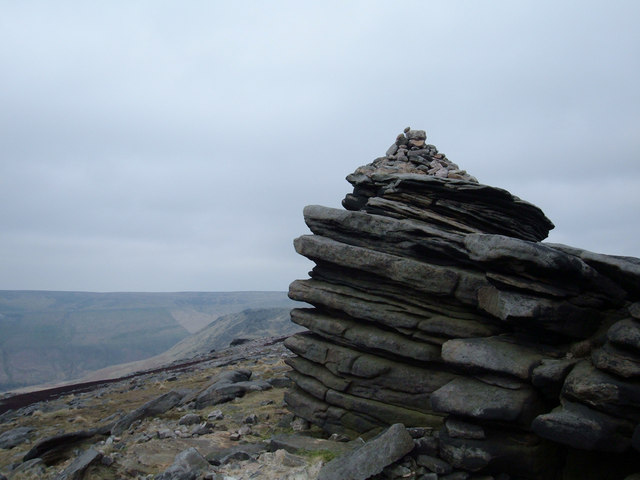 Cairn on Fox Stone