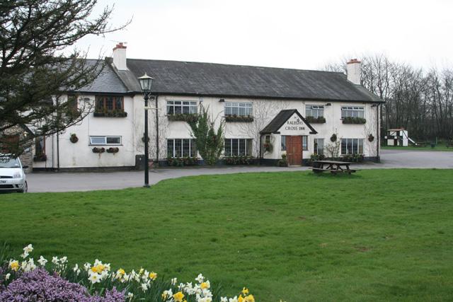Clatworthy: Ralegh's Cross Inn