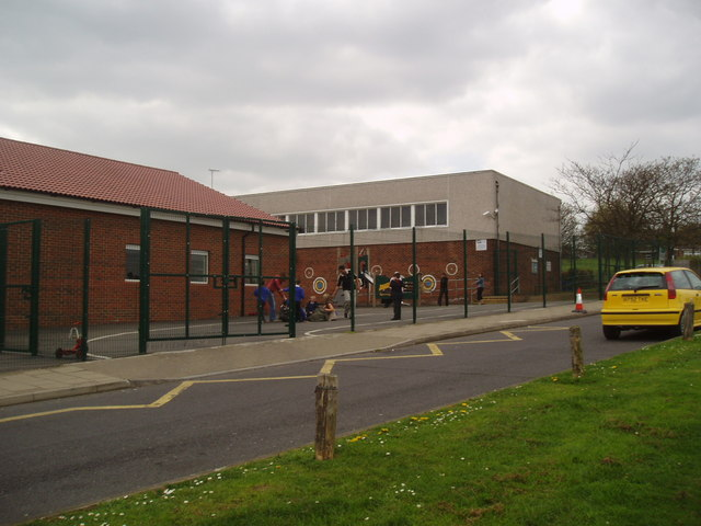 Poverest Primary School, Tillingbourne Green, St. Mary Cray, Kent