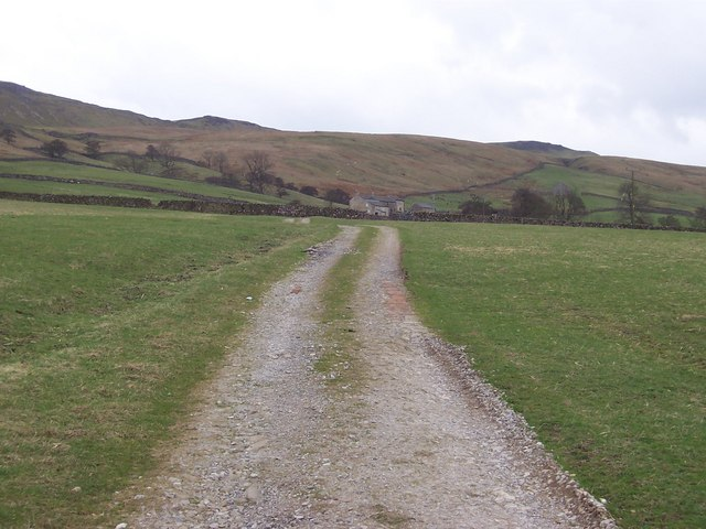 Track approaching Dale Head Farm