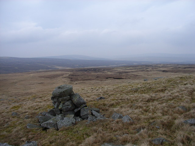Cairn on High Raise Band