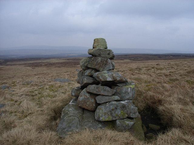 Cairn near Moss Burn