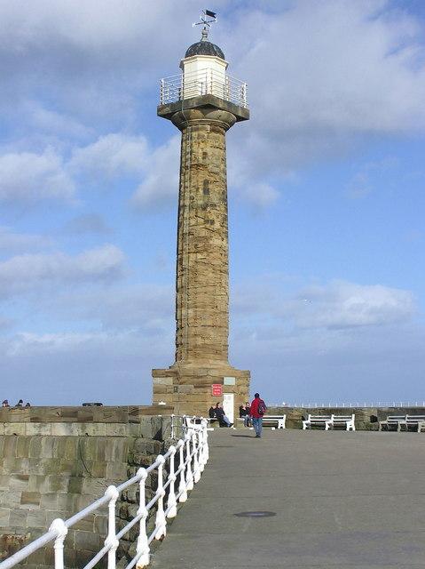 Lighthouse : West Pier.