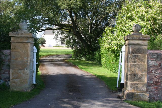 Norton Fitzwarren: gateway to house at Fitzroy