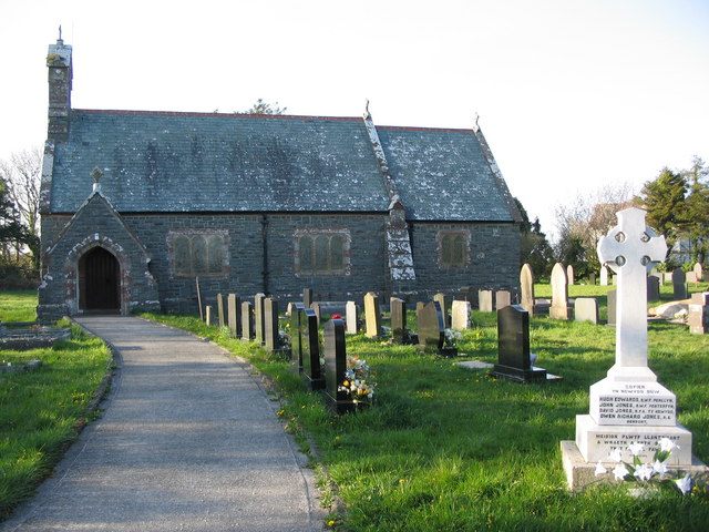 Eglwys Llantrisant