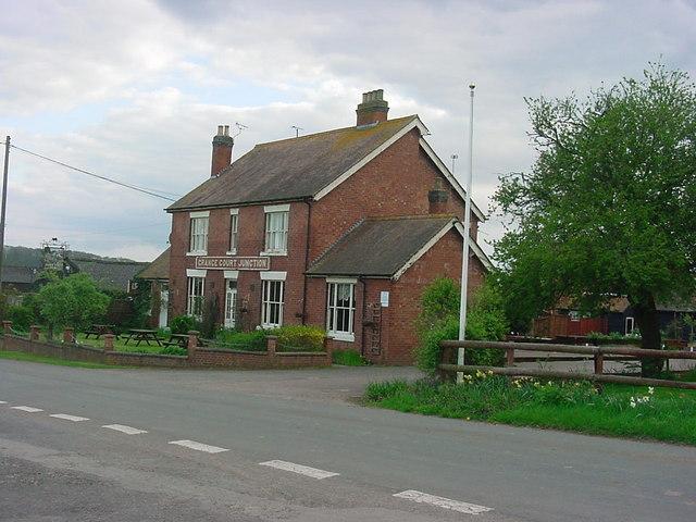 Grange Court Junction Inn