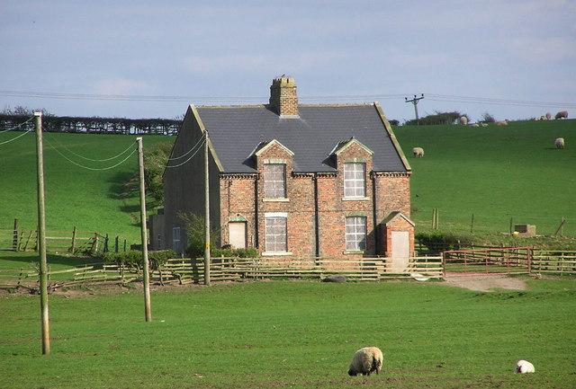 Farm Estate Houses : Low Hail Farm.