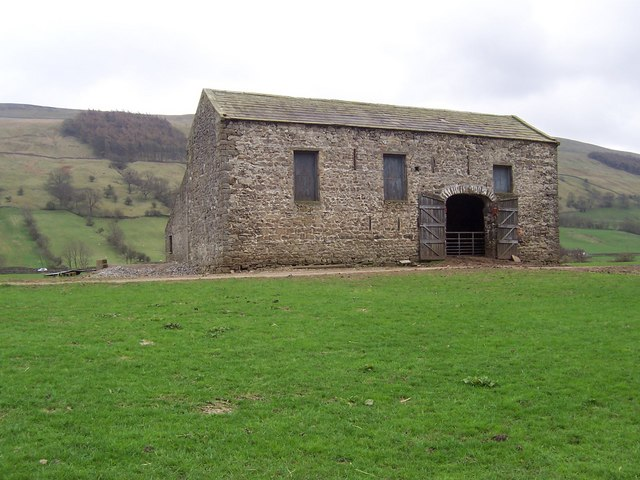 Large barn near Howesyke Farm, Bishopdale