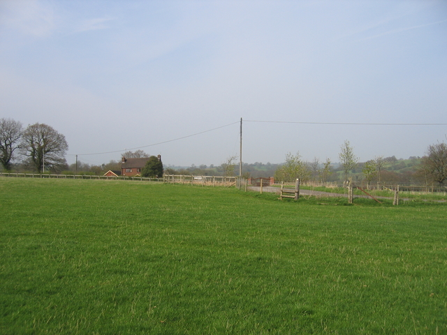 Footpath to Rowney Green