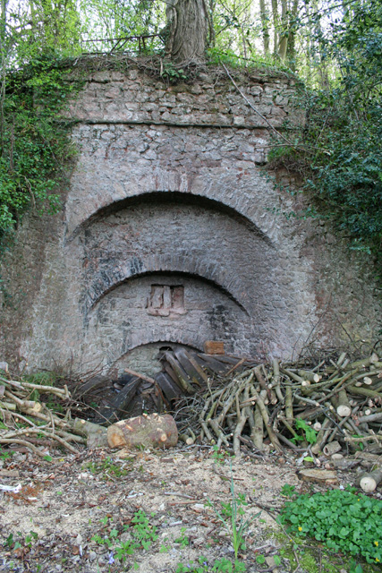 Milverton: Limekiln at Aslant Covert