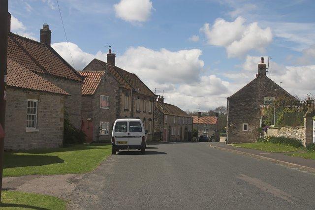 Houses in Wrelton