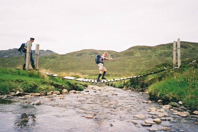 Crossing a tributary of the Uisge Dubh