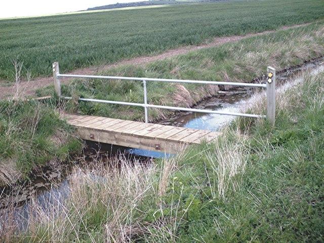 Footbridge  north of Pudsey Hall