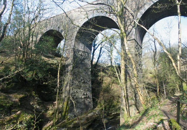 Railway viaduct over Afon Cynfal Closeup