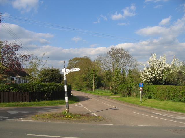 Oak Tree Lane crossroads, Sambourne