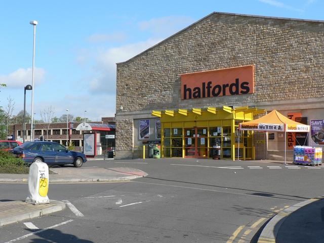 Halfords store, Savins Mill Way, Kirkstall