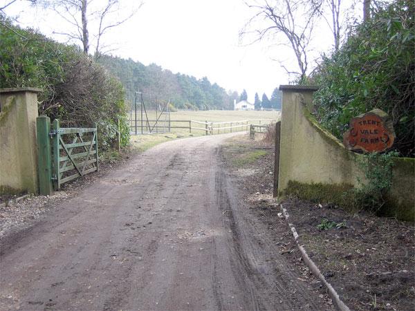 Entrance to Trent Vale Farm, Lower Hyde Heath