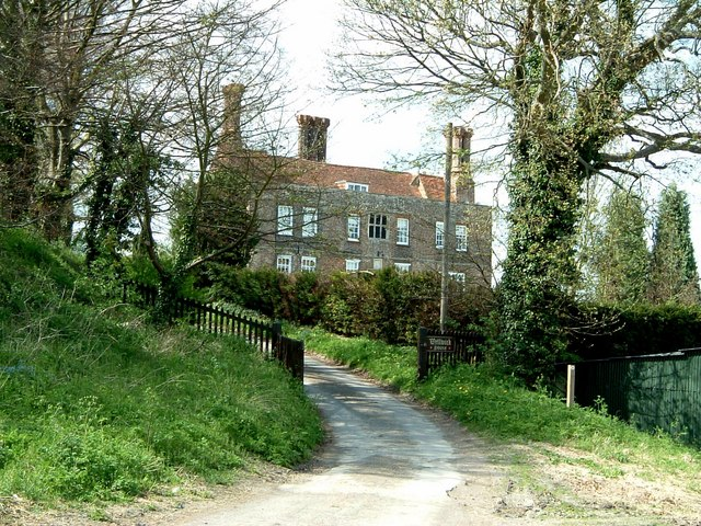 Wellwick House and drive