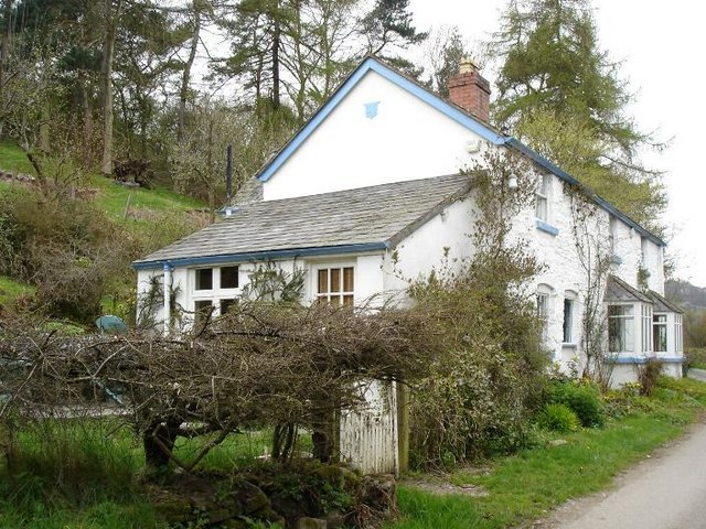 Stone cottage at Pont yr Aled