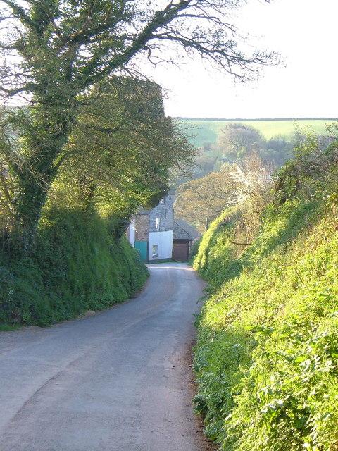 Lane entering Middle Washbourne