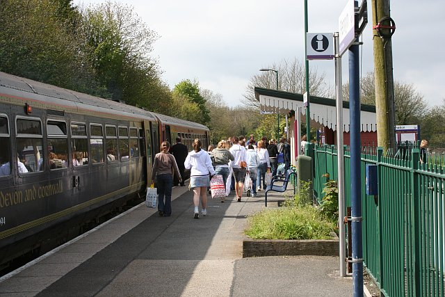 Passengers Disembarking at Penryn Station