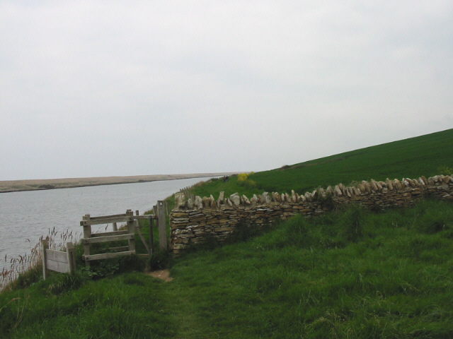 Coast Path along The Fleet, south of Sea Barn Farm