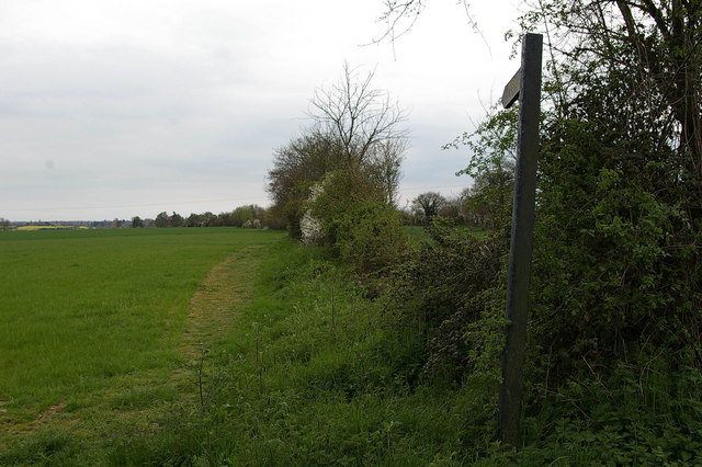 Footpath to Brett's Farm